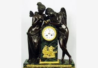 Старинные каминные часы с боем «Амур и Психея»
